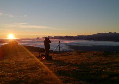 Observador en la puesta de sol